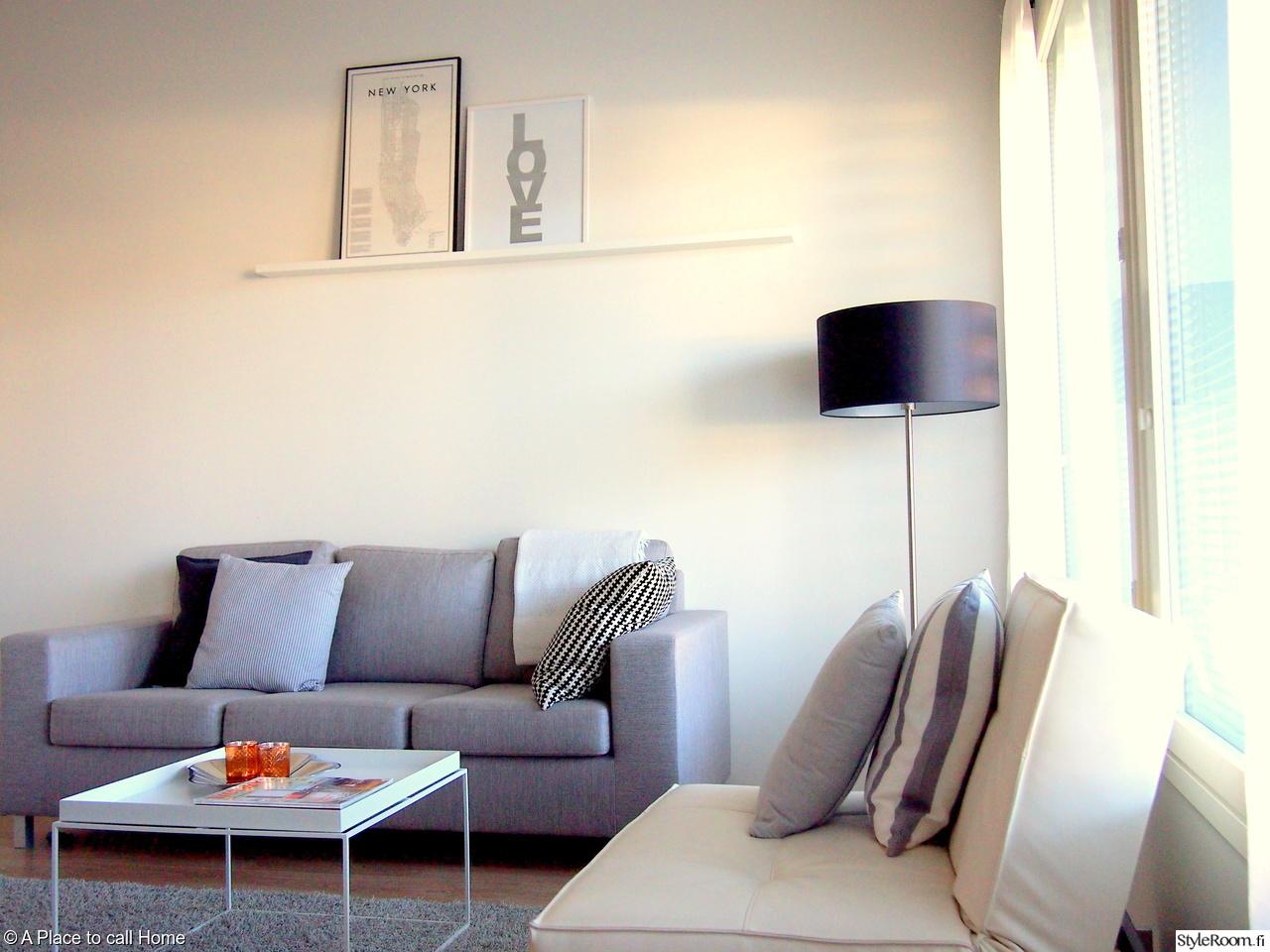 Olohuoneen Sohva : Olohuone,harmaa sohva,lattiavalaisin,design by frandsen,hay tray ...