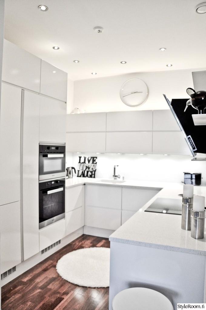 Moderni keittiö  Sisustuskuvia jäseneltä Whitetee  StyleRoom