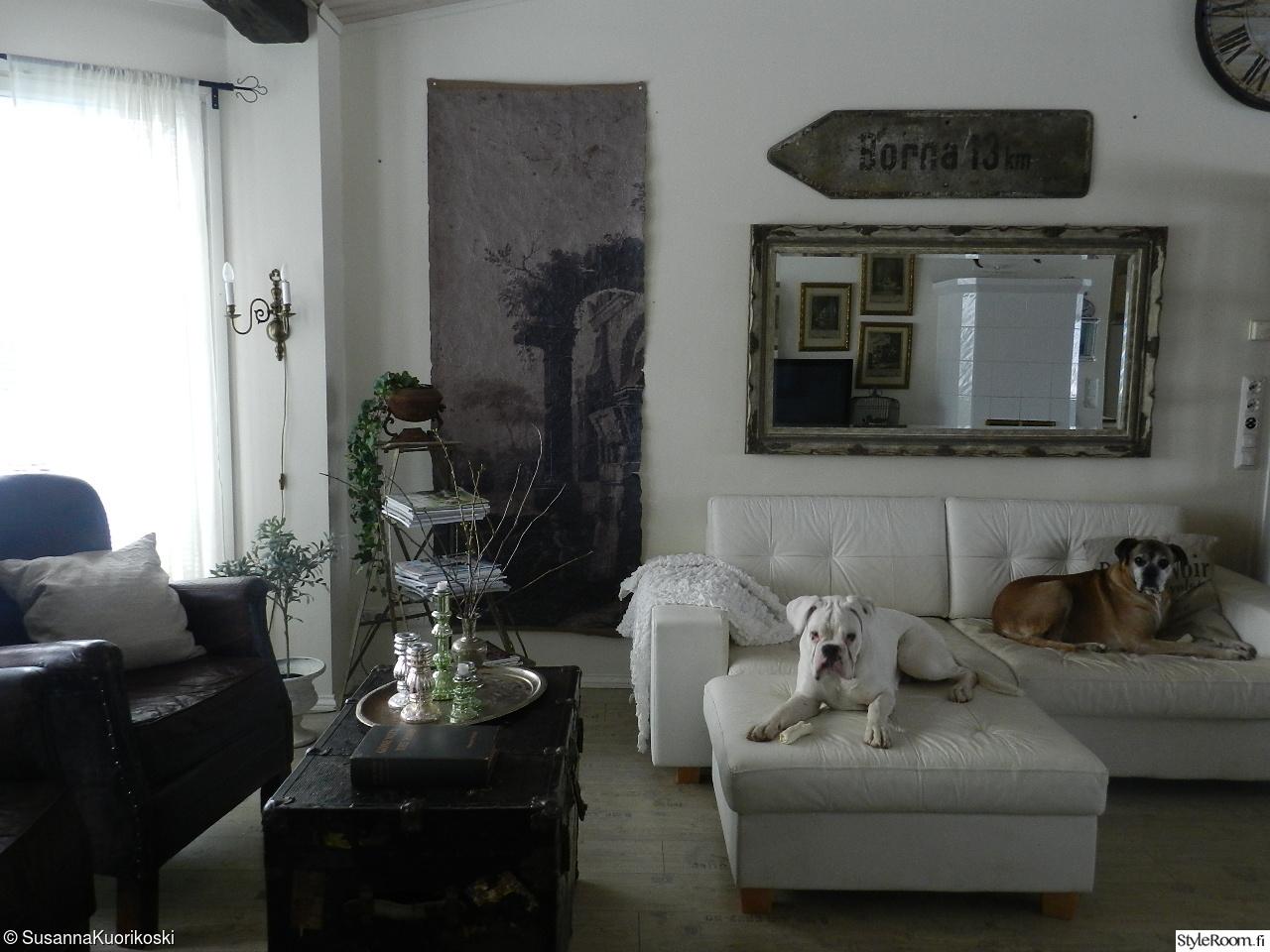 Olohuoneen Sohva : Olohuone,olohuoneen sisustus,oleskelupaikka,sohva,sohvapöytä ...