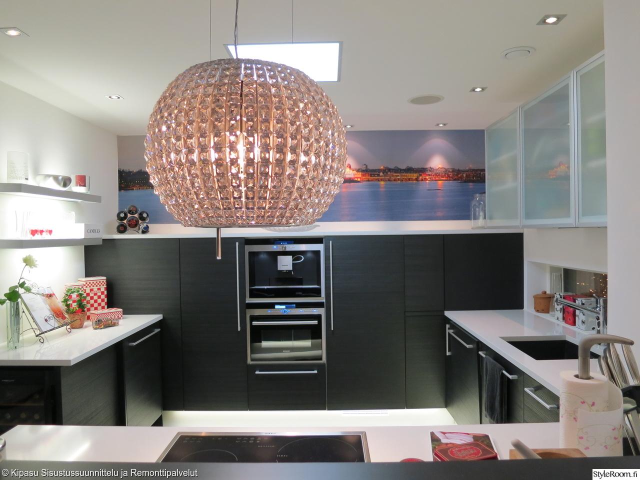 Moderni mustavalkoinen Puustelli keittiö  Sisustuskuvia jäseneltä heidiekhol