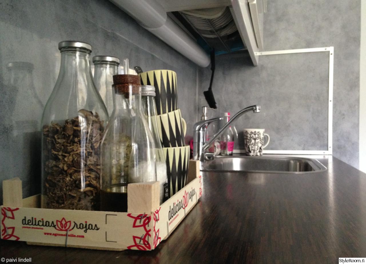 Pieni keittiö Töölössä  Sisustuskuvia jäseneltä p4ivi  StyleRoom