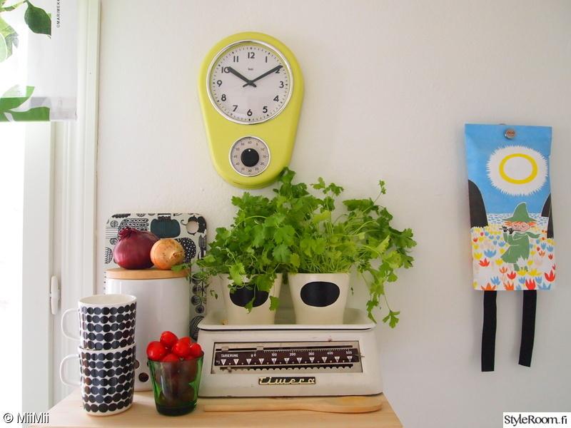 värikäs,keittiön pikkutavarat,leikkisä,yrttiruukku,sammutuspeite