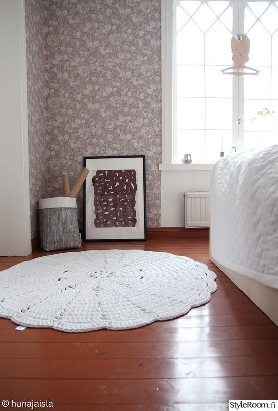 makuuhuone,juliste,taide,virkattu matto,poola kataryna