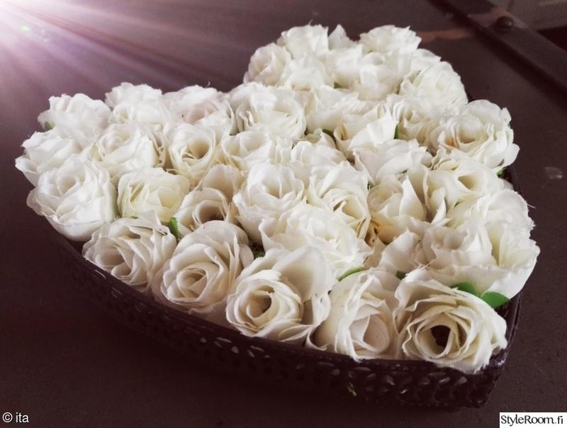 kukat,sydän,kukat sisustuksessa
