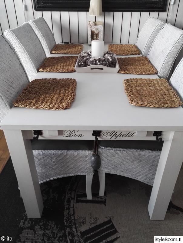 olohuone,ruokapöytä,punottu,ruokailuryhmä,vaalea sisustus