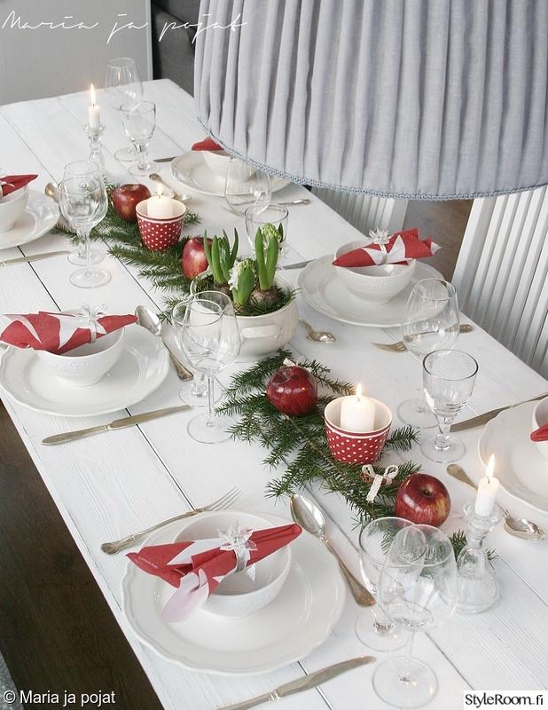 Puna valkoinen joulupöytä  Sisustuskuvia jäseneltä