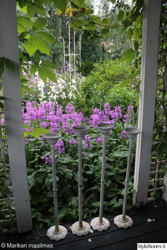 puutarha,terassi,kynttilänjalat,jalopähkämöt