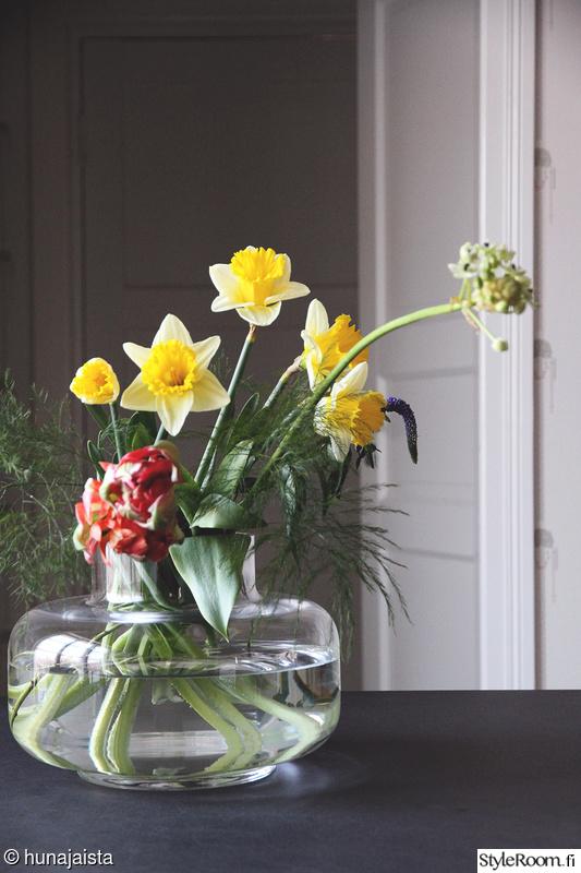 Kevään kaunein maljakko + keittiökuvaa  Sisustuskuvia jäseneltä Hunajaista