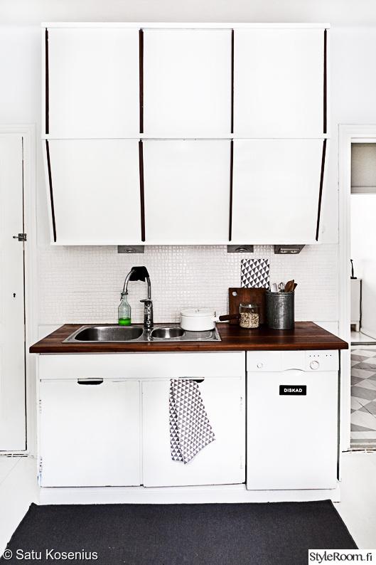 Kuva keittiö  Keittiössä  SatuK