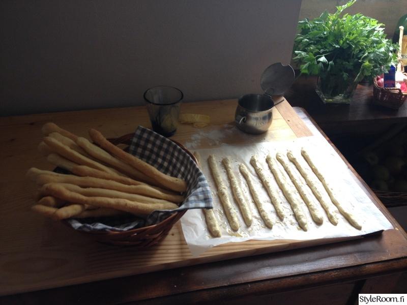 Keittiöelämää ja taidetta 200 vuotiaassa talossa Italiassa  Sisustuskuvia jä