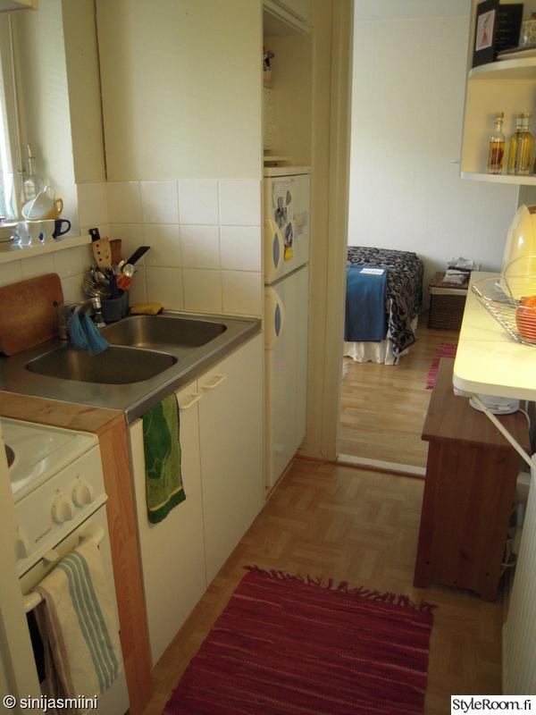 Kuva keittiö  Kerrostalokaksion remontti  Sinijasmiini