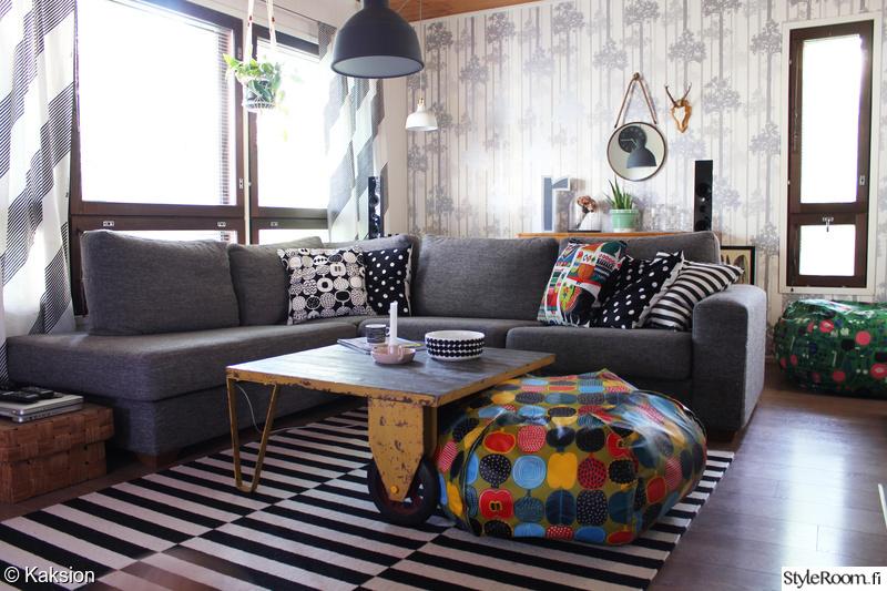 Olohuoneen Sohva : Harmaa,värikäs,olohuoneen sisustus,olohuone,sohva