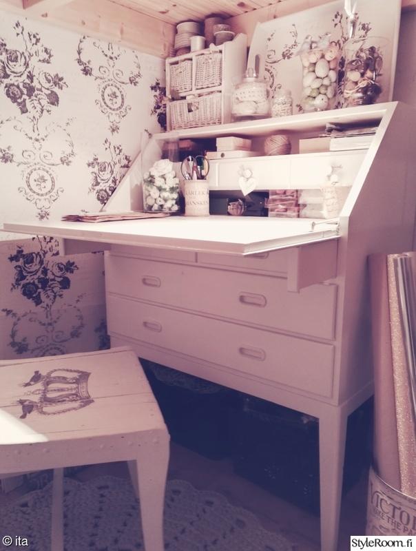 olohuone,romanttinen,koriste-esineet,vaalea sisustus,hempeä