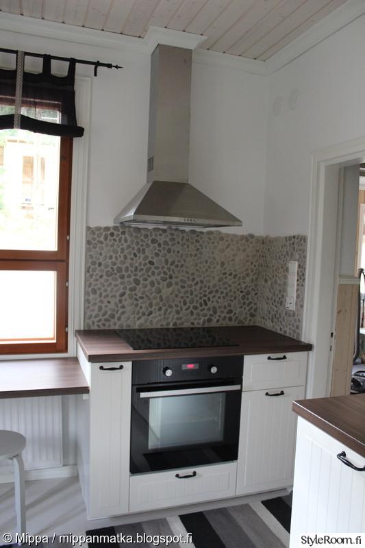Bild på keittiö  Keittiöremontti omakotitalossa av Mippa