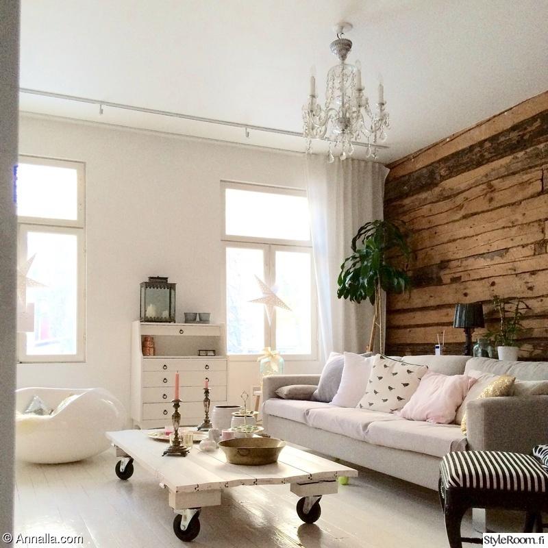 Olohuoneen Sohva : Olohuone,sohva,sisustustyynyt,olohuoneen sisustus,kattokruunu
