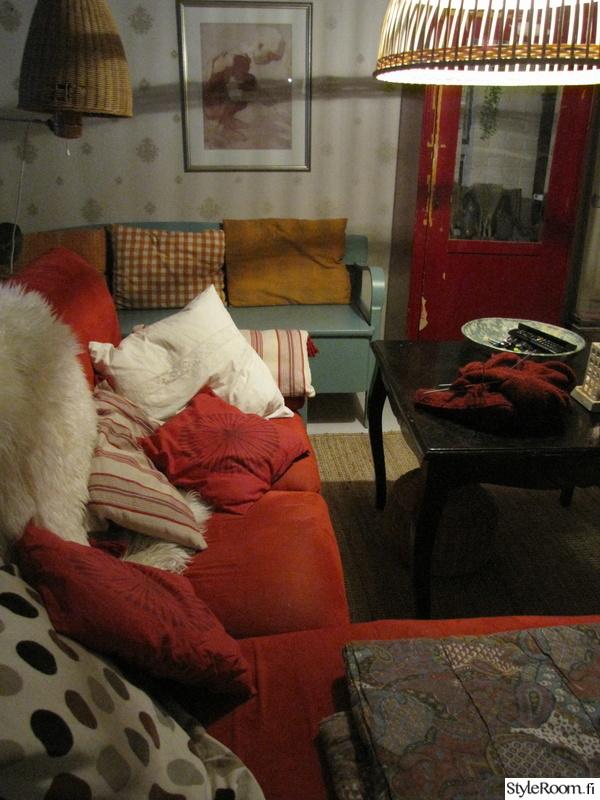 punainen,olohuone,sohva