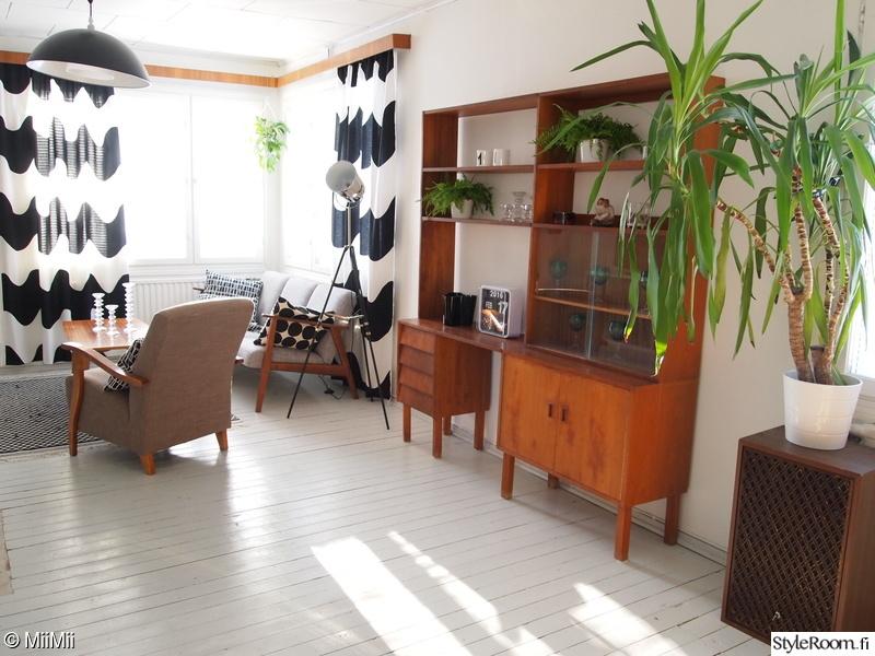 olohuone,kirjahylly,50-luku,vintage,rintamamiestalo