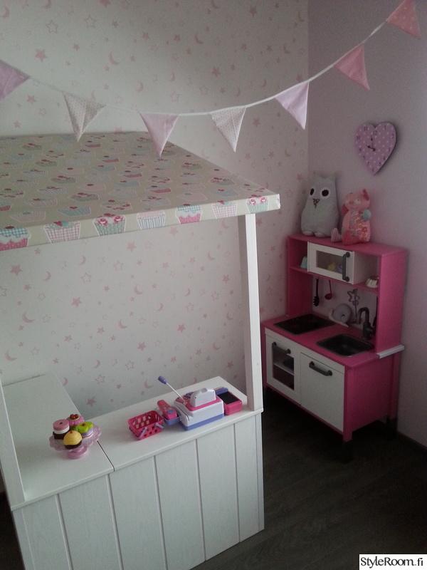 ikea,lastenhuone,leikkikeittiö,viirinauha,leikkihuone
