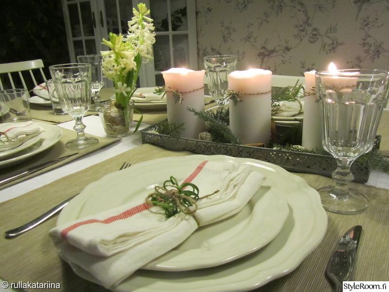 Joulupöytä Kattaus