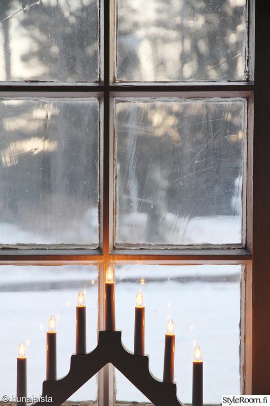 ikkuna,kynttelikkö