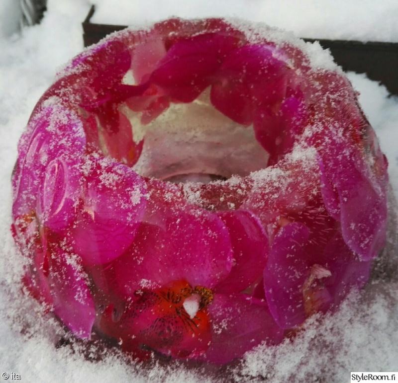 kukat,jäälyhty
