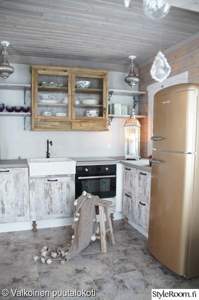 Bild på keittiö  Mökkitunnelmia av Ilona