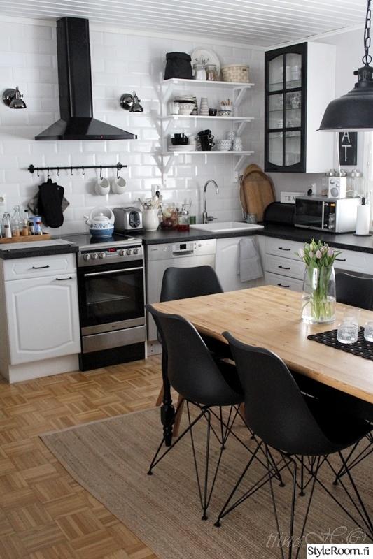 Bild på keittiö  Meidän keittiö (entinen koti) av Tiina H
