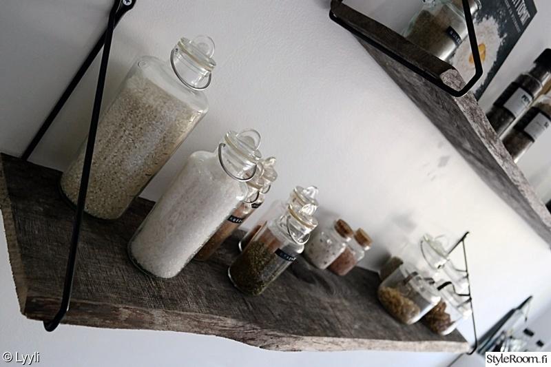 Keittiön avohyllyprojekti  Sisustuskuvia jäseneltä Lyyli
