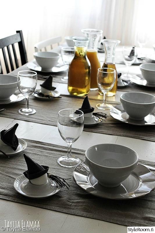 keittiö,kattaus,astiat,juhlakattaus,pääsiäinen