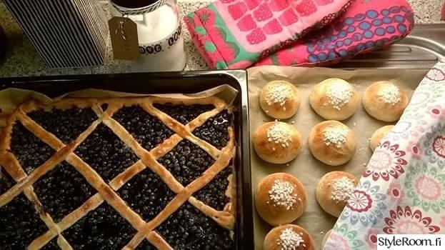 keittiö,tekstiilit,leivonta,pulla,mustikkapiirakka