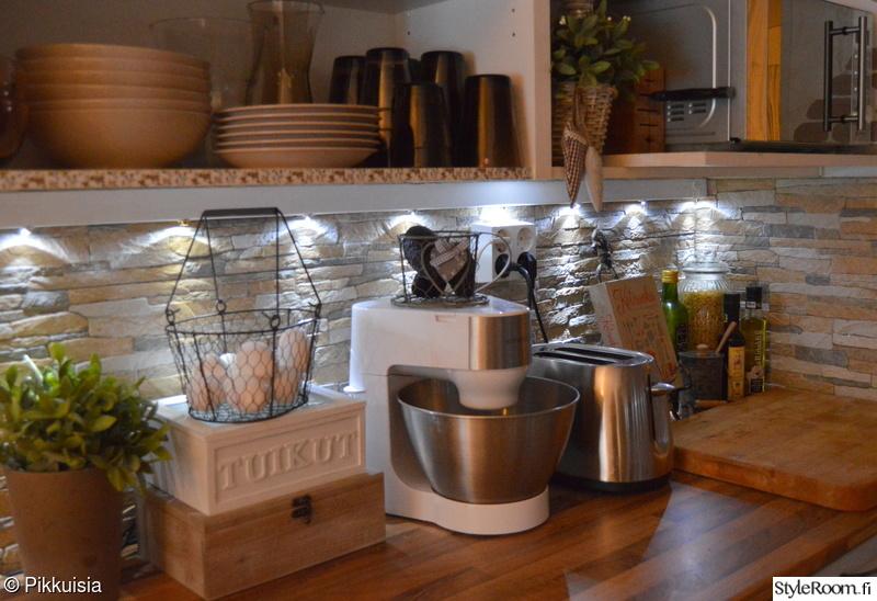 Rivitalokodin keittiö  Sisustuskuvia jäseneltä Teijuliini  StyleRoom