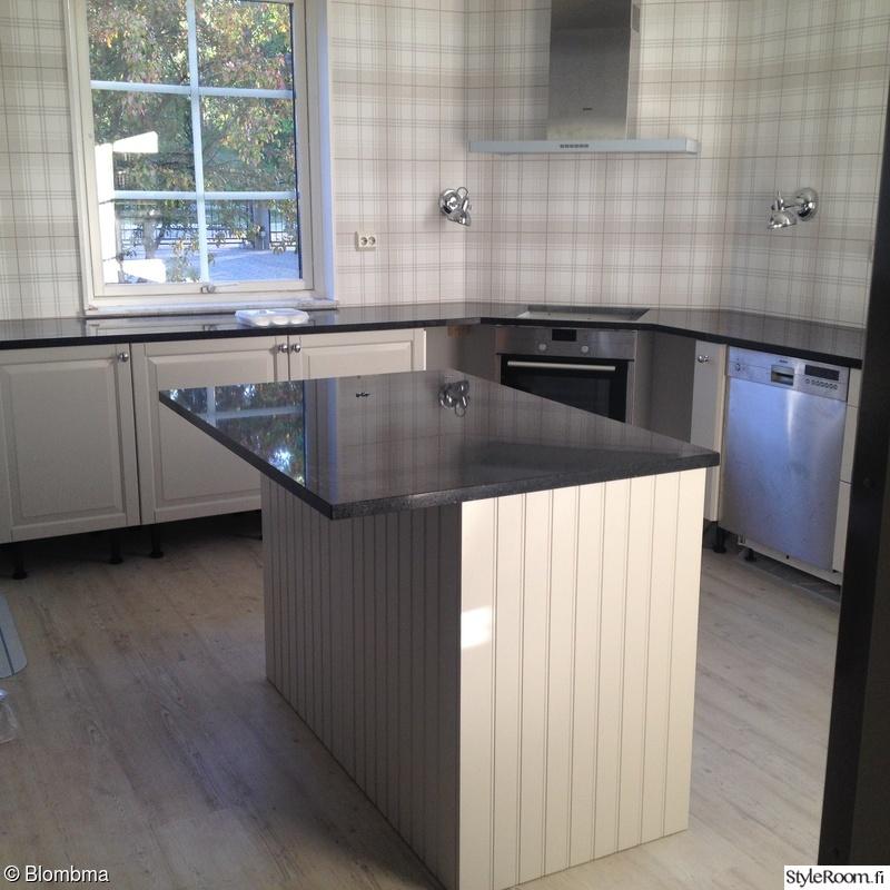 Bild på keittiö  Talon remppaprojekti  kaikki pinnat