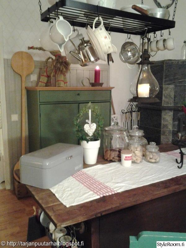 Kuva keittiö  Joulu  KullaanTarja