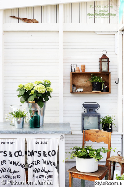 istutuspöytä,kasvihuone,kevätsisustus,kirppislöydöt