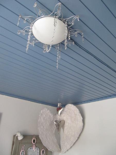 Väriä kattoon ja seinään!  Sisustuskuvia jäseneltä hannahuuhaa  StyleRoom