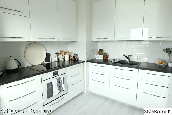 Valkoinen välitila laatta koti ja sisustusideat  StyleRoom