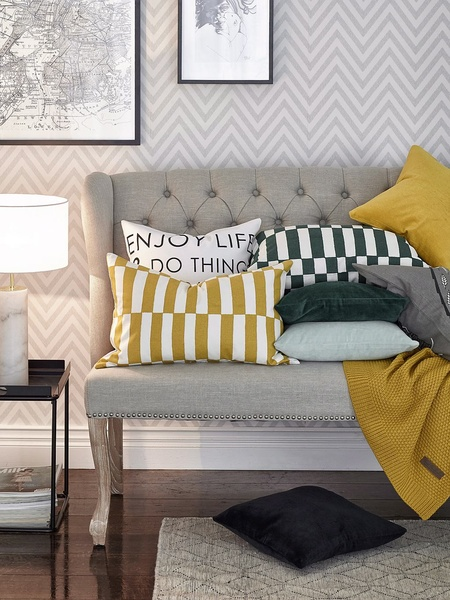 Olohuoneen Sohva : Ellos,olohuone,olohuoneen sohva,olohuoneen sisustus,tyyny