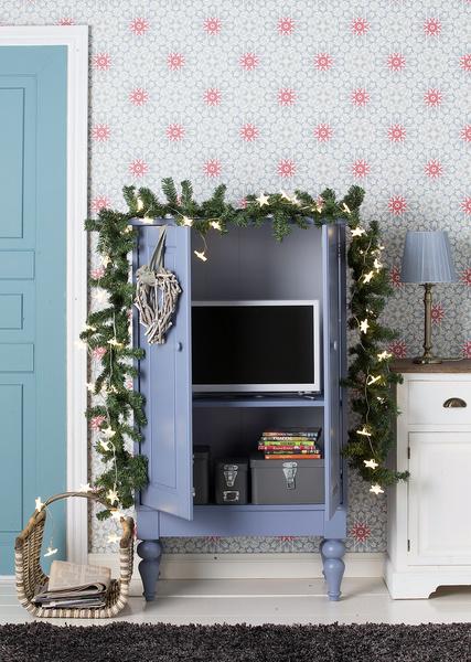 tv-kaappi,olohuone,timanttikuvio,pöytälamppu,joulu