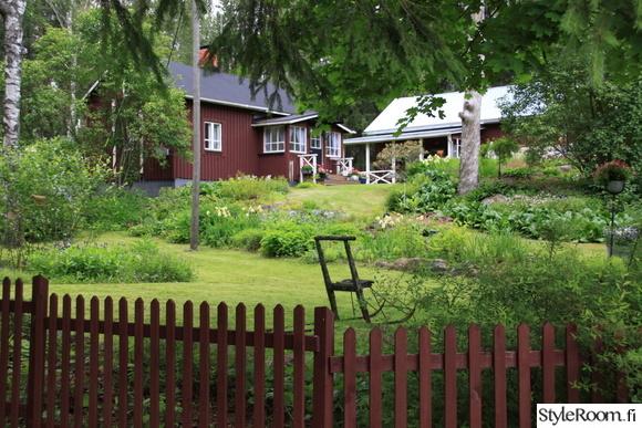 mökki,puutarha,mökkipuutarha,punamulta,aita