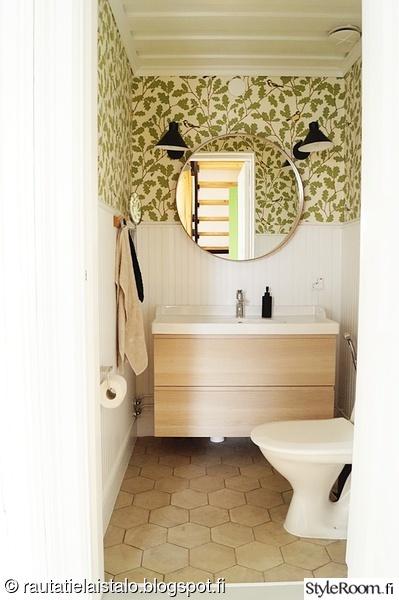 vessa,remontointi,vanha talo,paneeliseinä,tapetti