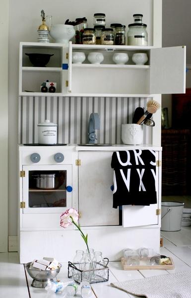 Bild på leikkikeittiö  Lastenhuoneen Leikkikeittiö av annanpp