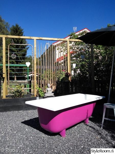 puutarha,piha,kylpyamme,pinkki,zen-hetki