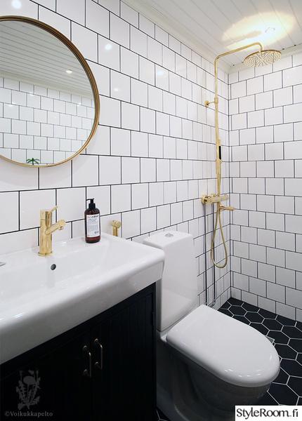 kylpyhuone,laattaseinä,tiililadonta,hexagon,tapwell
