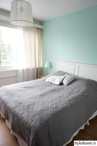 makuuhuone,sänky,sängynpääty,mintunvihreä,sovrum