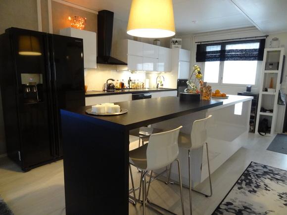 Kuva keittiö  Avara keittiömme  Canna