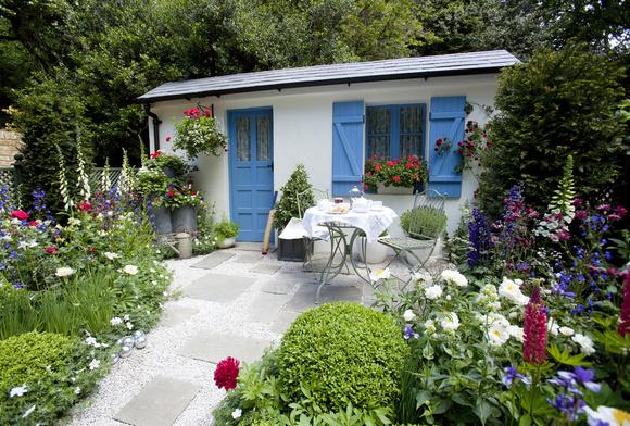 cottage garden,pensas,siirtolapuutarha,rivitalopiha,pieni piha