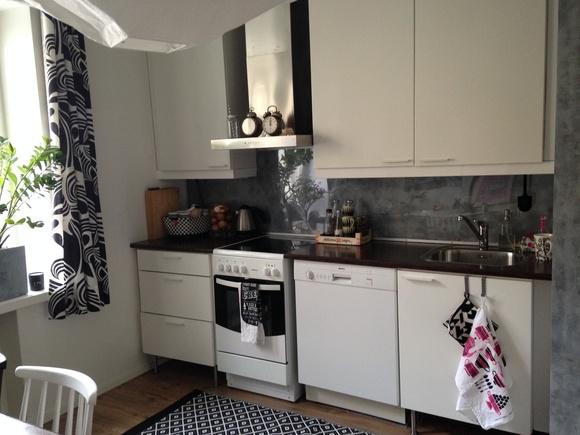 Bild på keittiöpyyhe  Pieni keittiö Töölössä av p4ivi