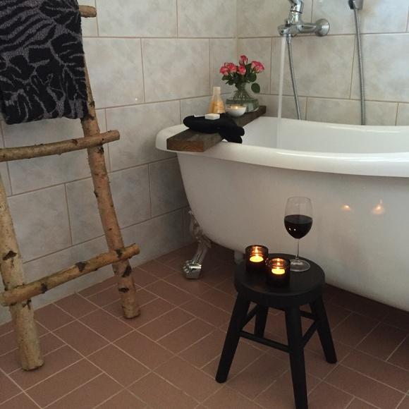 kylpyamme,kylpyhuone,tassuamme,jakkara,koivu