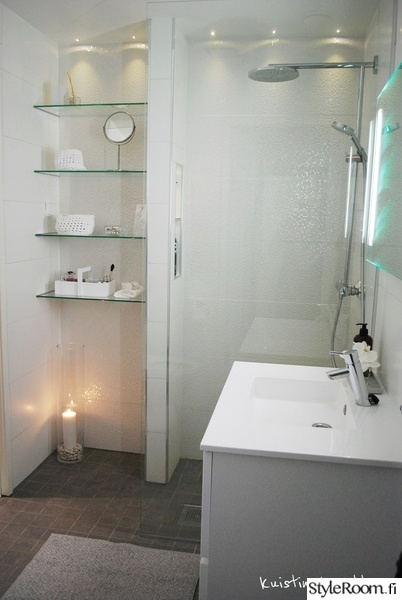 kylpyhuone,allas,valkoinen,vaaleat sävyt,harmaa