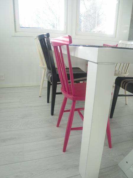 Inspiroivia kuvia aiheesta keittiö tuolit musta